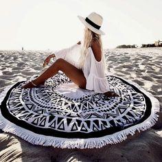 Poses, V Neck Blouse, Photo Colour, Color, Festival Fashion, Lady, Panama Hat, Boho Fashion, Beach Fashion