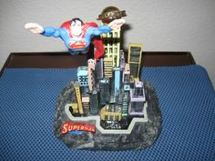 LIMITED EDITION SUPERMAN IN METROPOLIS FROM RON LEE WITH COA