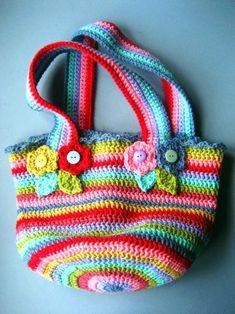 tejidos artesanales en crochet: aprende a confeccionar paso a paso un comodo bolso multicolor tejido en crochet
