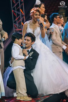 (UPDATED) James Reid and Nadine Lustre share a kiss as they arrive at the 'On the Wings of Love' finale live viewing party Cute Relationship Goals, Cute Relationships, James Reid Wallpaper, Nadine Lustre, Beautiful Fantasy Art, Jadine, Korean Couple, Blackpink Jennie, Celebs