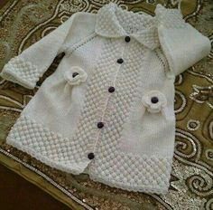 Ideas for knitting baby cardigan english Shrug Knitting Pattern, Baby Knitting Patterns, Baby Patterns, Sweater Patterns, Diy Crafts Knitting, Knitting For Kids, Hand Knitting, Knitting Needles, Knitting Machine