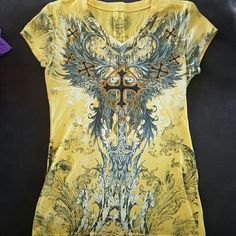 Xzavier Top from Rue 21 Yellow and black fitted top. Fits like a medium. Rue 21 Tops Tees - Short Sleeve