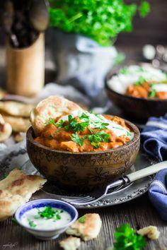 Indyjski kurczak - Butter Chicken z chlebkami Naan - Mo… Butter Chicken, Yummy Food, Delicious Recipes, Naan, Chana Masala, Thai Red Curry, Sriracha, Menu, Soup