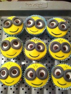 Despicable Me Minion Birthday Cupcakes by aracisgon
