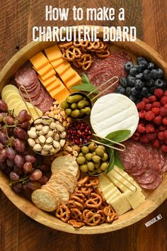 How to make a beautiful Charcuterie Board. Wow your friends and family with a cheese board that is not only beautiful, but delicious too. appetizers with wine Charcuterie Board Snacks Für Party, Appetizers For Party, Appetizer Recipes, Meat Appetizers, Christmas Appetizers, Recipes Dinner, Parties Food, Wine Parties, Appetizers For Thanksgiving
