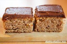 Dette er en gammel oppskrift fra bygda som opprinnelig har koppemål. Saup er et gammeldags ord for surmelk. Kakene er holdbare og smaker nydelig av kanel, sjokolade og kaffe. Oppskriften er til stor langpanne. Sweet Desserts, No Bake Desserts, Norwegian Food, Food Cakes, Something Sweet, Dessert Bars, Let Them Eat Cake, Cake Cookies, No Bake Cake