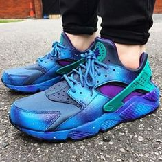da889b3b5db6 avaliable in a variety of colours - huaraches black