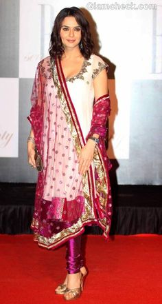 #Brilliant @realPreityZinta @ Amitabh Bachchan's @SrBachchan 70th Birthday Party in beautiful Churidaar Kameez with gorgeous shades and exquisite embroidery & heels, Oct 11, 2012