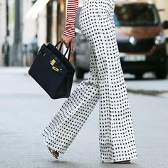 Close up of these Max Mara pants and the Hermes bag || @hermes  @maxmara  #ootd #outfitoftheday #maxmara #hermes #lookoftheday #fashion #fashiongram #style #currentlywearing #lookbook