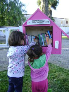 This Library is 1 of 5 Libraries installed around the city of Cavallino to encourage reading and provide free access to books. Little Free Libraries, Little Library, Free Library, Library Books, Community Building, Pta, The Neighbourhood, Thing 1, America