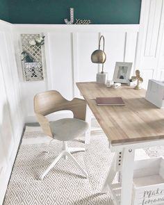 A General Guide To Buying Office Furniture For The Home Office Home Office Space, Home Office Design, Home Office Decor, The Office, Dining Room Table Chairs, Living Room Chairs, Living Room Furniture, Comfortable Office Chair, Office Furniture Design