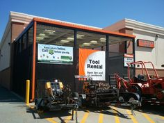 Safe Digging banner placed by Atlanta Gas Light at the Home Depot on Presidential Pkwy. Call 811 before you dig. 2012