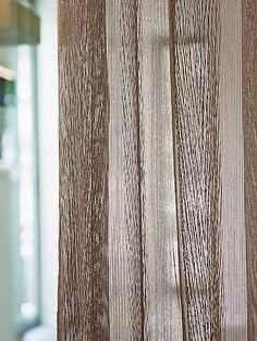 gardinen vorhange und polstermobel in warmen farben zum wohlfuhlen aus stoffen von ado goldkante ado goldkante