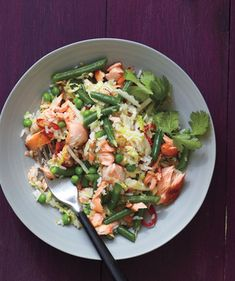 Salmon Fried Rice With Cabbage and Chilies. // real simple // use leftovers from brown sugar glazed salmon Salmon Recipes, Fish Recipes, Seafood Recipes, Cooking Recipes, Healthy Recipes, Recipies, Skinny Recipes, What's Cooking, Yummy Recipes