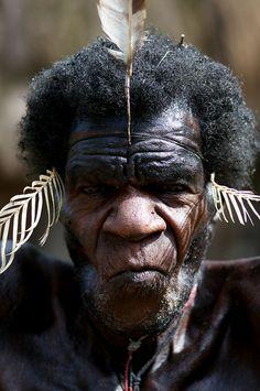 papua traditionnal show at Jiwika village in Balliem Valley - Occidental Papua by Alex_Saurel, via Flickr