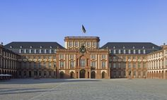 Mannheim barokový kaštieľ, Zdroj: http://www.schloesser-und-gaerten.de, https://wooow.eu/2017/02/14/bozk-ako-vstupne-do-kastielov/