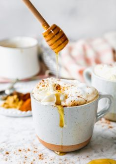 I have the coziest post-Christmas hug in a mug for you today. Yes, hug in a mug. Snack Recipes, Cooking Recipes, Snacks, Cooking Ideas, Yummy Drinks, Yummy Food, Healthy Food, Kisses Recipe, Brunch