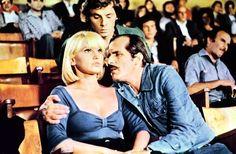 La Supplente , Italy 1975 , di Guido Leoni . /// Uno studente di liceo (Eligio Zamara s'innamora della provocante supplente (Carmen Villani ,31 , foto), ma costei gli preferisce il professore di ginnastica (Carlo Giuffrè , 47). Il ragazzo si rifarà con la sorellina dell'insegnante (Dayle Haddon , 26 CAN) . /// student , f > ///