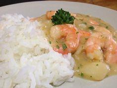 Bobo de camarão/// Receita pratica, tipica da culinaria baiana à base de camarão e mandioca.  Read more at http://pt.petitchef.com/receitas/prato-principal/bobo-de-camarao-fid-1508707#iRTPGrwksL40qW4r.99 Nota: Especial para os aversos a coentro (como eu!...)