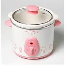 A Hello Kitty slow cooker puts a whole new spin on slow cooking - want! #HelloKitty #slowcooker #cooking