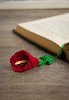 Calla Lily Crocheted Bookmark - so