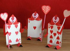 How to make card party men out of playing cards for an Alice in Wonderland mad tea party Valentine Love, Disney Valentines, Valentine Day Crafts, Valentine Decorations, Valentine Ideas, Mad Hatter Party, Mad Hatter Tea, Mad Hatters, Deco Disney
