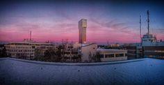 A last goodbye to the sun..... #sunset #kistatorn #kistatower #beautifulwinter #instagood #scandicviktoriatower #scandicviktoria #mindfulness #colorful #thinking #esrr #landscapephotography #amomentintime #breathingslowly