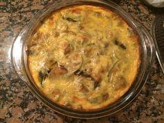 Milhojas de Zucchinis, queso magro en fetas y claras de huevo con queso untable descremado....