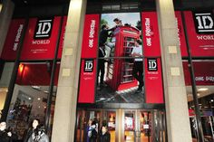 Images from the One Direction pop up store in New York City where fans flocked to leave a note on the walls for their favorite member. #1D #onedirection #popupshop #one #direction #shop #fans!