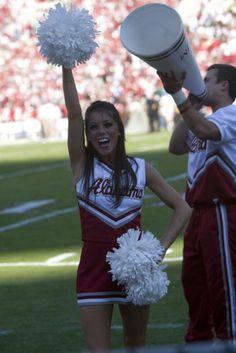 Alabama Crimson Tide cheerleader