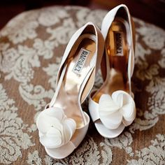 beautiful peep-toe badgley mischka wedding heels!