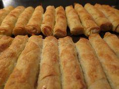 Τρώγονται δυό-δυό!!!  Νόστιμα τραγανά μπουρέκια για όλες τις ώρες!  Μπορούμε να τα ετοιμάσουμε από τηνπροηγούμενημέρα και να τα ψήσο... Greek Recipes, Wine Recipes, My Recipes, Dessert Recipes, Cooking Recipes, Favorite Recipes, Food Network Recipes, Food Processor Recipes, Cyprus Food