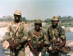 In honor of Rhodesia's Independence Day, here's some Rhodesian RAR Soldiers in the - OldSchoolCool