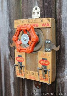 A person could keep important notes handy and visible with these new, old stock mousetraps.