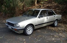 I love these cars and this one is in amazing condition Peugeot 505 Gti, Psa Peugeot Citroen, Subaru Xt, City Car, Top Cars, France, Automotive Design, Toyota Corolla, Motor Car