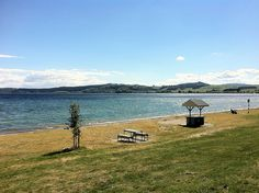 Lake Taupo, the largest lake in #NewZealand