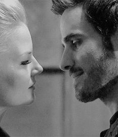 I didn´t found that kiss on pinterest yet, so... (Emma & Hook 4x04 - The Apprentice) <3