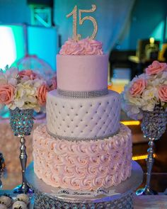 An Industrial Style Kitchen in Romantic Paris You'll Love 15th Birthday Cakes, Sweet 16 Birthday Cake, Beautiful Birthday Cakes, Birthday Cake Girls, Beautiful Cakes, Elegant Birthday Cakes, Sweet 15 Cakes, Sweet Sixteen Cakes, Sweet 16 Party Decorations
