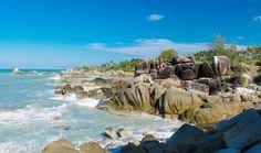 PERGIPEDIA  - Pantai Teluk Uber Bangka Belitung, Pantai Indah Di Bumi Laskar Pelangi .Pantai Tel...