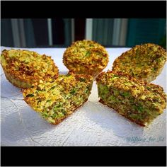 Healthy savory snack  BAKED ZUCCHINI WITH POPPED AMARANTH  #lowcarb #highprotein and perfect to take away     let me know if you're interested in the recipe    #fitfam .  #fitnessfood #fitnessrecipe #healthy #healthysnack #healtyeating #healthyrecipe #dieting #cleaneating #fitnesslifestyle #fitness #fitgirl #hardcoreladies #celsius #icaniwill #instafood #bodybuilding #lifting #gymfood #gymkitchen #getlean #leancurves #shredded  #probrokitchen #momsgymfood by lifting_for_fit