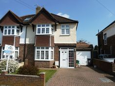 £349,950 3 Bedroom Semi Detached House - Ellesmere Drive, South Croydon, Surrey, CR2 9EH Estate Agents