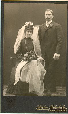 Wedding Wednesday - Unknown couple #geneabloggers #genealogy