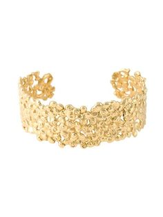 Shop Natasha Collis 18kt yellow gold small nugget cuff in NATASHA COLLIS from the world's best independent boutiques at farfetch.com. Shop 400 boutiques at one address.
