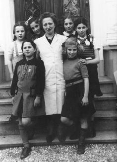 Young Holocaust survivors in a children's home established after the war. Hilversum, Holland, 1946 - From R to L: Front row: 1st: Chaya Vanderhem- Ben Dov. 3rd: Chava Diner-Loopuit. Back row: 2nd: Gita Stienberg-Gurfein - Anonymous No Longer. Holocaust History Museum. Yad Vashem