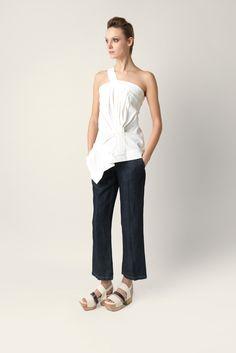 Top Malloni one shoulder asymmetrical. Made strech technical linen fabric.