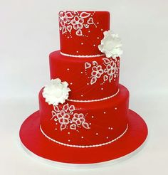 Red wedding cake - Carlos Bakery