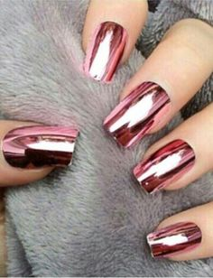 The perfect metallic red! Rose Chrome Nails (Unknown Official Name?) The post The perfect metallic red! Rose Chrome Nails (Unknown Official Name?) appeared first on nageldesign. Fabulous Nails, Gorgeous Nails, Pretty Nails, Hair And Nails, My Nails, How To Do Nails, Nails 2017, Fancy Nails, Pink Nails