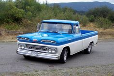 Chevy trucks aficionados are not just after the newer trucks built by Chevrolet. They are also into oldies but goodies trucks that have been magnificently preserved for long years. Chevy Trucks Older, Gm Trucks, Cool Trucks, Chevrolet Apache, Chevrolet Trucks, Toyota Trucks, General Motors, Convertible, Classic Pickup Trucks