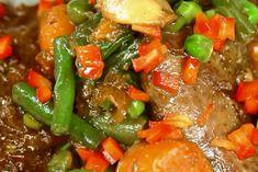 agneau-petits-pois-et-carottes-au-cookeo. Pork, Ethnic Recipes, Sweet, Lamb Casserole Slow Cooker, Recipes, Kitchens, Thermomix, Kale Stir Fry, Candy