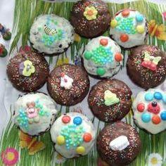 Frühlings-Schoko-Muffins für Kinder und 87.000 weitere Rezepte entdecken auf DasKochrezept.de Cupcakes, Breakfast, Desserts, Food, Kid Cooking, Morning Coffee, Tailgate Desserts, Cup Cakes, Dessert